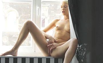 Lindsey Olsen Alone