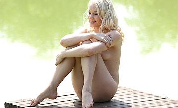Lola Taylor lakeside moments