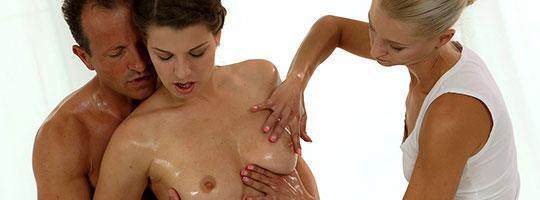 MonaLee UmaZex massage