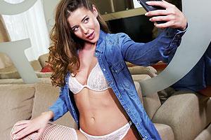 Sybil maakt selfies