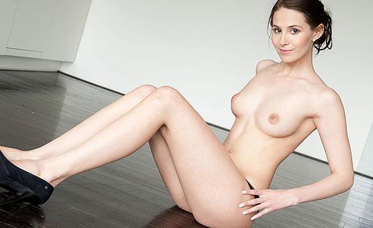 Vanessa Angel - Rileza