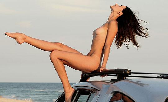Heidi - Drive Me Crazy HeidiS by Femjoy