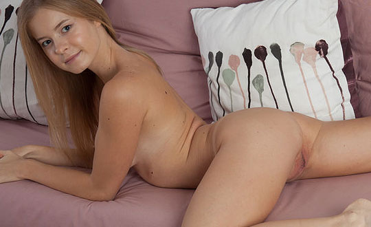 Flower - A Lazy Day  by Femjoy